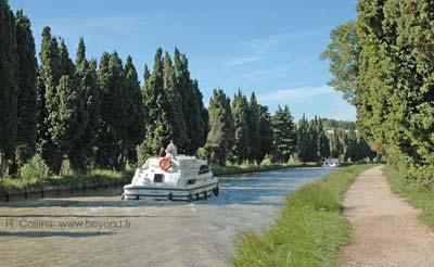 Canal du Midi photo canalpontbez0042b400.jpg
