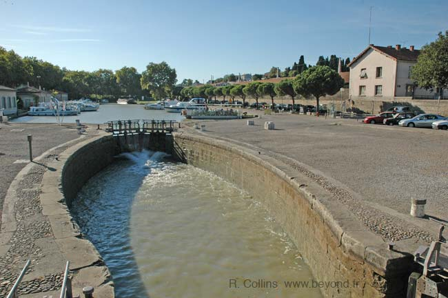 Carcassonne canal locks photo