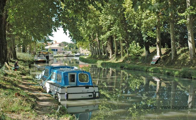 Canal du Midi at Colombiers photo