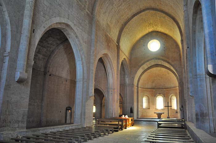Thoronet Abbey Photo Gallery Site Photos By Provence Beyond