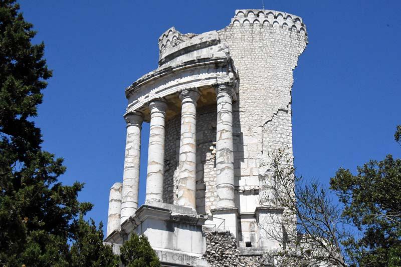 Troph 233 E Des Alpes Photo Gallery Site Photos By Provence