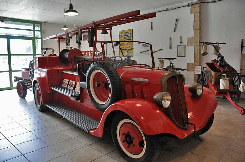This 1937 Delahaye fire engine even
