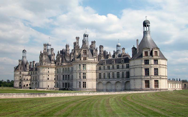 Loire Valley Itinerary photo chambord-chateau002bb.jpg