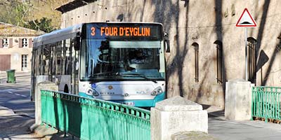 Bus Travel photo tholonet-bus0006m.jpg