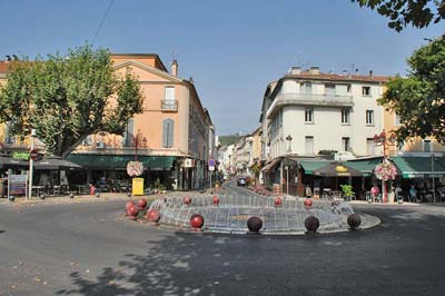 Place Barbusse in Alès at the