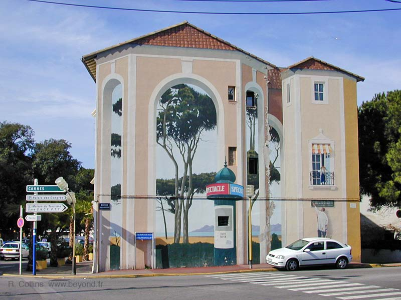 Trompe l'Oeil wall mural at Juan