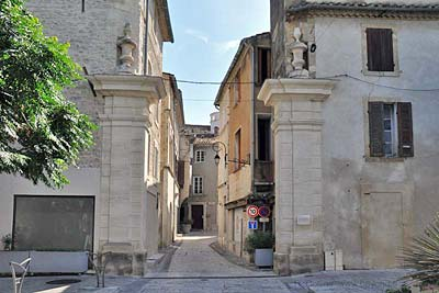 The Porte de Montfrin entry into