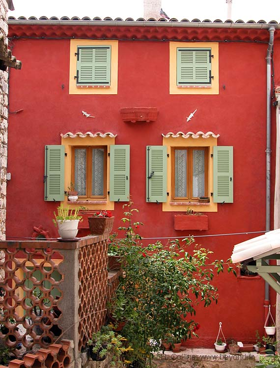 Bright provencal colors of an Aspremont