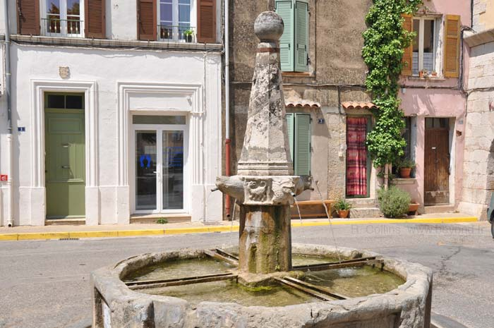 Besse-sur-Issole Fountains photo besseissole0179b.jpg