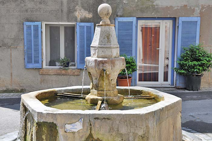 Besse-sur-Issole Fountains photo besseissole0187b.jpg