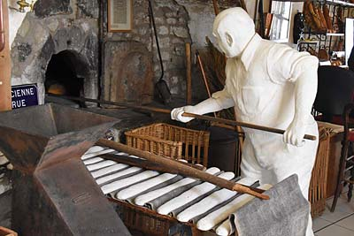 Inside the Bonnieux Bakery Museum (<i