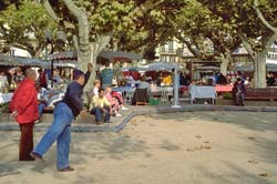Petanque by the Cannes flea market