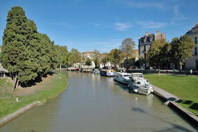 Canal du Midi and nice parks