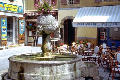 Castellane fountain and café on Rue