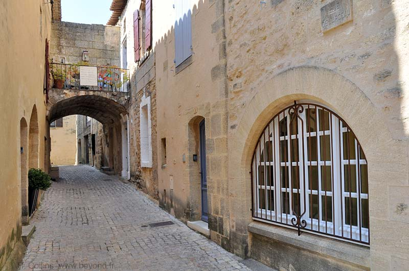 Castillon-du-Gard photo castillon-gard0059b.jpg