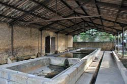 Covered lavoir just south of Castillon