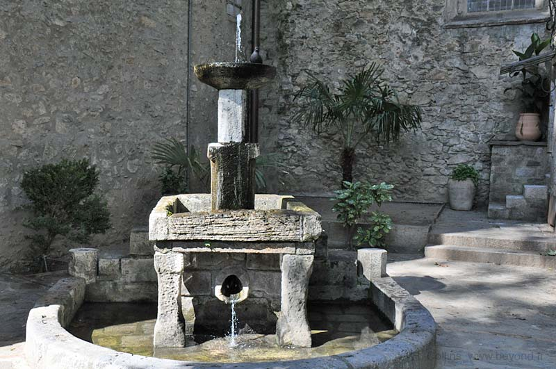 14th-century Fountain of Nine Jets