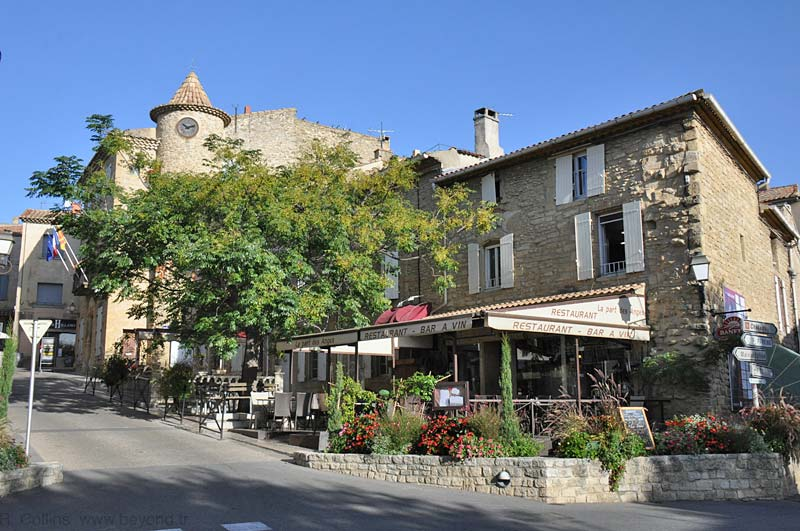Chateauneuf-du-Pape village center, north