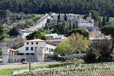 Gigondas village with the Medieval walls