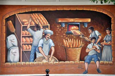 Bakery mural outside a La Grand