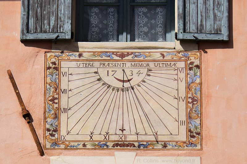 Guillestre photo guillestre-sundial0002b.jpg