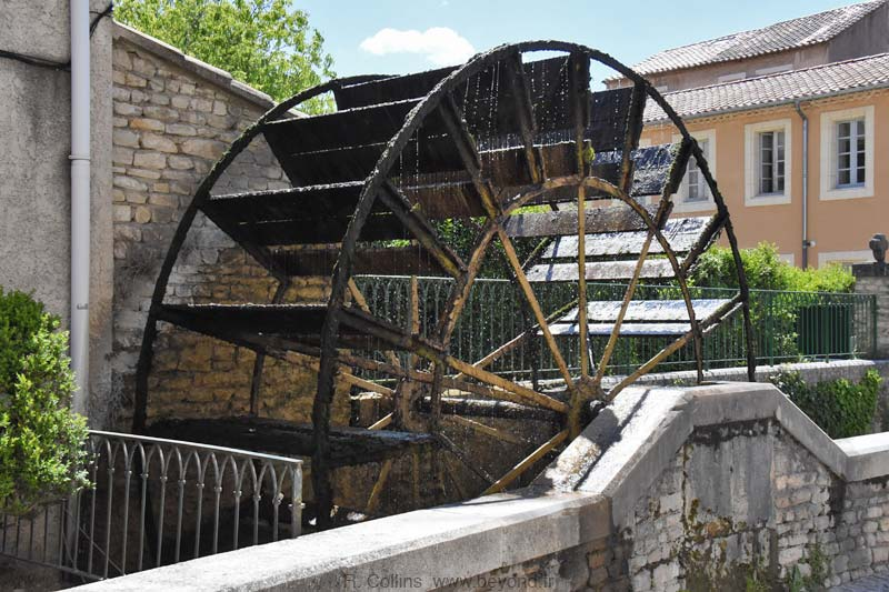 Isle-Sorgue Water Wheels photo isle-sur-sorgue-wheel0024b.jpg