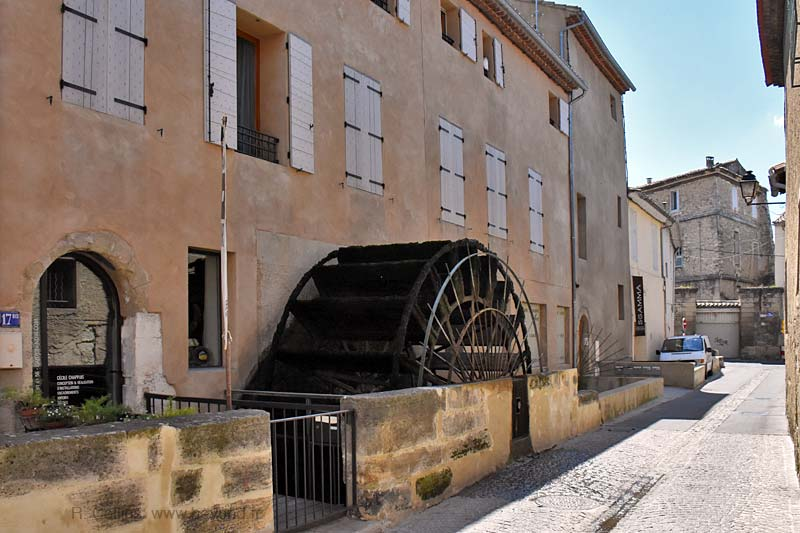 Isle-Sorgue Water Wheels photo isle-sur-sorgue-wheel0035b.jpg