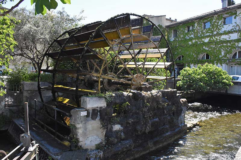 Isle-Sorgue Water Wheels photo isle-sur-sorgue-wheel0055b.jpg