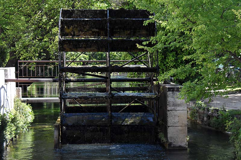 Isle-Sorgue Water Wheels photo isle-sur-sorgue-wheel0091b.jpg