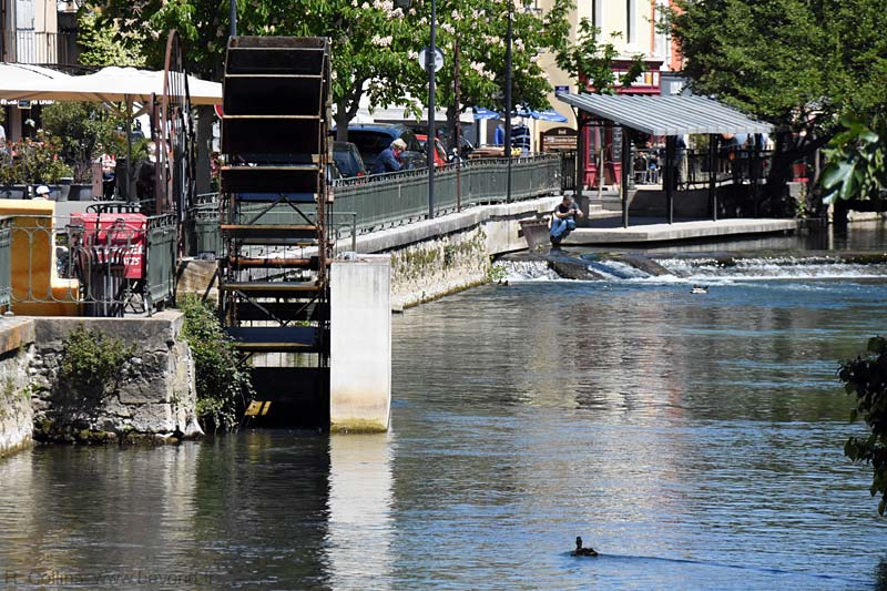 Isle-Sorgue Water Wheels photo isle-sur-sorgue-wheel0112b.jpg