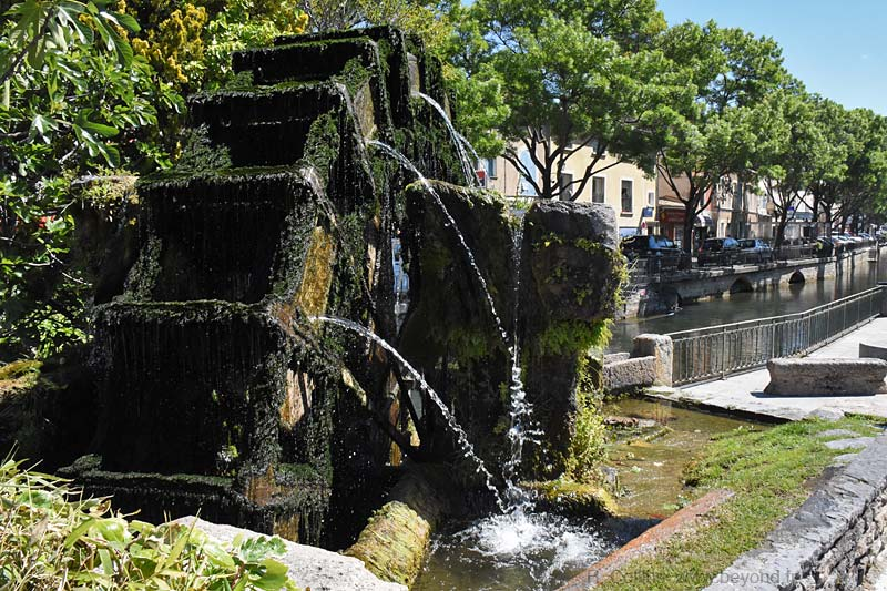 Isle-Sorgue Water Wheels photo isle-sur-sorgue-wheel0127b.jpg