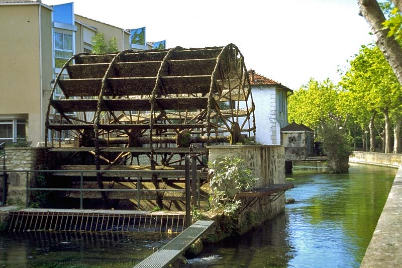 Isle-Sorgue Water Wheels photo isle-sur-sorgue-wheel082b.jpg