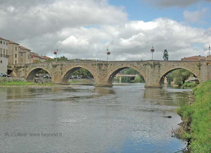 Limoux ancient Pont Neuf bridge photo