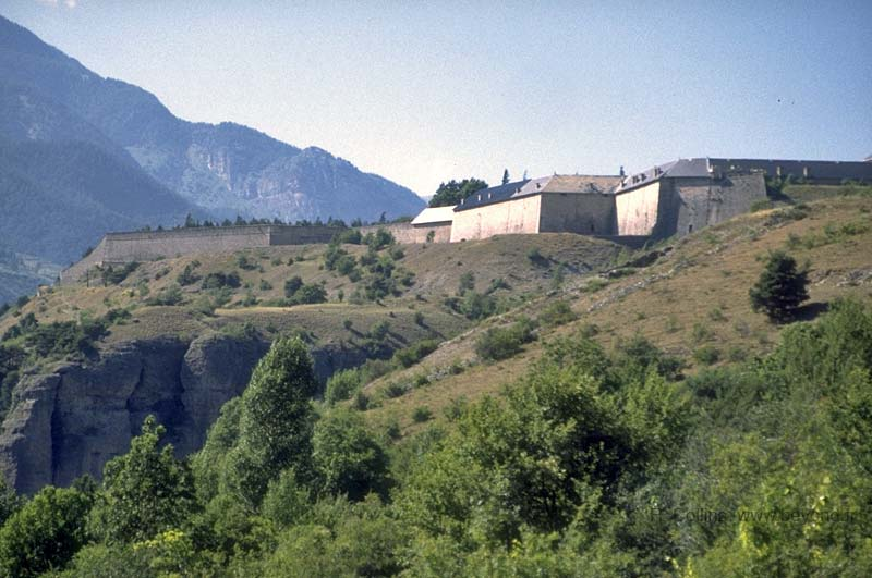 Fortified Villages photo mont-dauphin076b.jpg