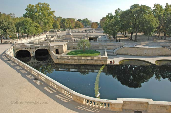 N mes visit photos travel info and hotels by provence beyond - Jardin des fontaines nimes ...