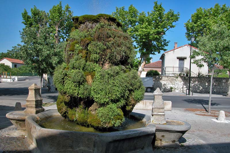 Pernes-les-Fontaines Fountains photo pernes-fontaines0027b.jpg