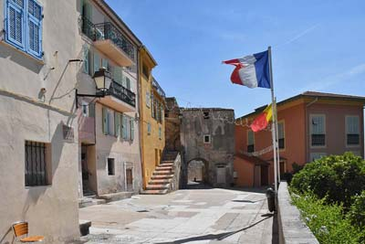 Place Capitaine Vincent in Roquebrune-Cap