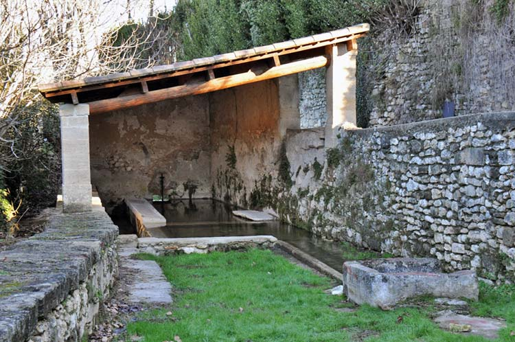 Sagries covered lavoir