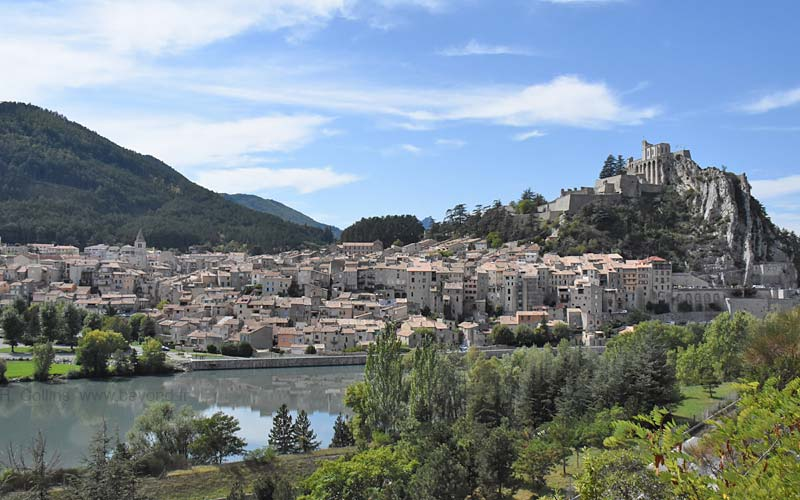 Sisteron France Map.Sisteron Visit Photos Travel Info And Hotels By Provence Beyond