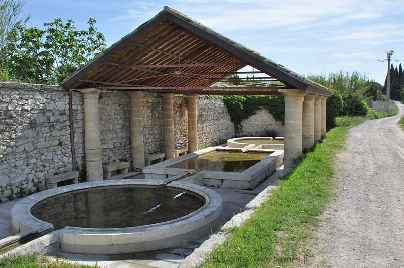 The covered lavoir of St-Hilaire