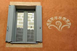 Window and wall design in Saint