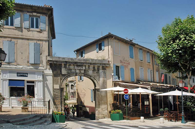 Saint remy de provence photo gallery by provence beyond for Entretien jardin st remy de provence
