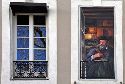 Trompe-l'Oeil window painting on Bvd