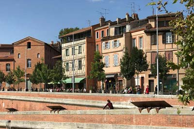 Toulouse's Place de la Daurade with