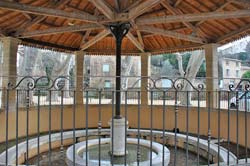 The lovely round-octagonal lavoir in